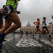 Roma 02/04/2017 <br /> Maratona di Roma 2017<br /> il passaggio a Piazza San Pietro