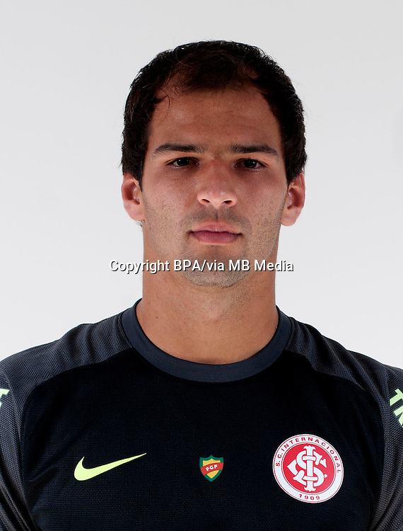 Muriel Gustavo Becker   ( Sport Club Internacional )