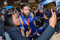 Luka KARABATIC / Supportrice France - 02.02.2015 - Equipe de France de Handball - Retour Championnats du Monde 2015 - Aeroport Roissy CDG -Paris<br /> Photo : Cohen / Visual / Icon Sport