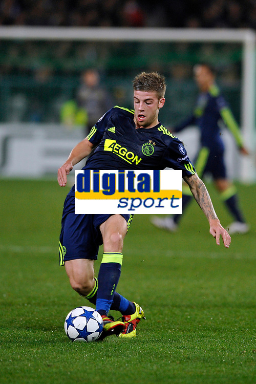 FOOTBALL - CHAMPIONS LEAGUE 2010/2011 - GROUP STAGE - GROUP G - AJ AUXERRE v AJAX AMSTERDAM - 3/11/2010 - PHOTO GUY JEFFROY / DPPI - TOBY ALDERWEIRELD (AJAX)