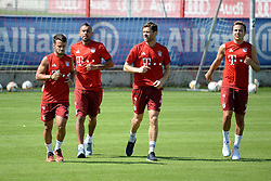 06.08.2015, Saebener Strasse, Muenchen, GER, 1. FBL, FC Bayern Muenchen, im Bild vl. Juan Bernat ( FC Bayern Muenchen ), Arturo Vidal ( FC Bayern Muenchen ), Xabi Alonso ( FC Bayern Muenchen ) und Mario Goetze ( FC Bayern Muenchen ) // during a Trainingssession of German Bundesliga Club FC Bayern Munich at the Saebener Strasse in Muenchen, Germany on 2015/08/06. EXPA Pictures © 2015, PhotoCredit: EXPA/ Eibner-Pressefoto/ Vallejos<br /> <br /> *****ATTENTION - OUT of GER*****