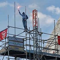 Movimenti per il Diritto all'Abitare occupano la Piramide a Roma