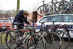Patrick makes final checks in the Cervélo Bigla camp before the 124.2 km Omloop Het Nieuwsblad - Elite Women on February 25th 2017, starting and finishing in Gent, Belgium. (Photo by Sean Robinson/Velofocus)