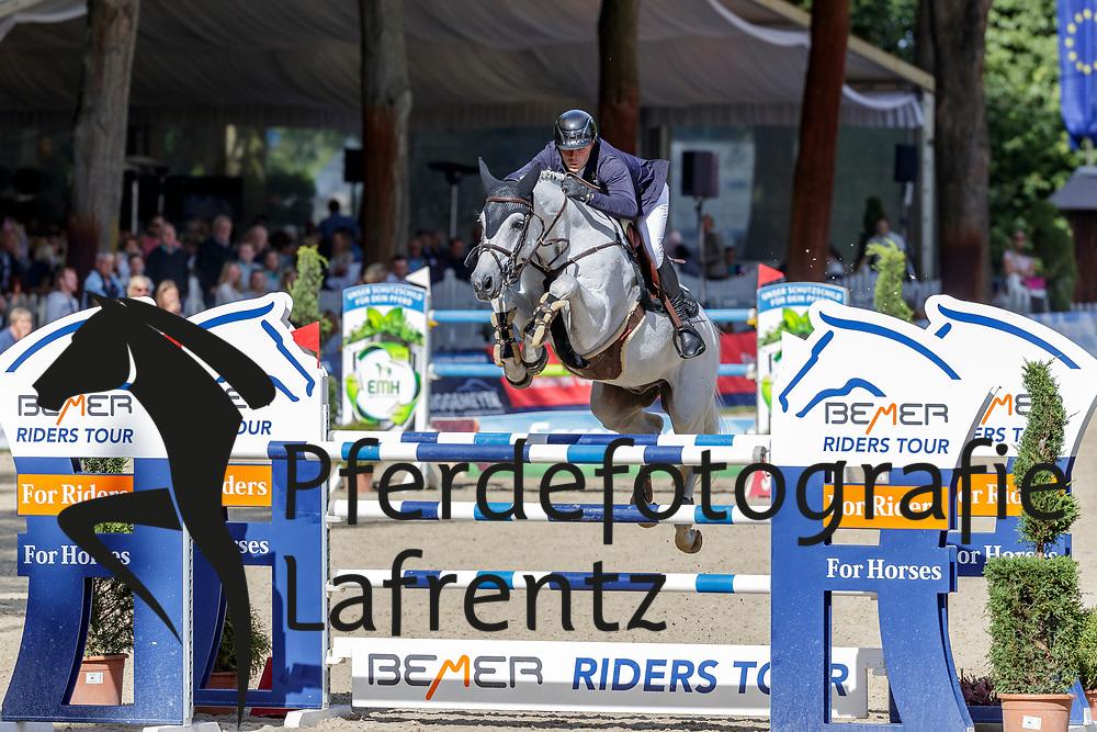 LILL Maximilian (GER), Checkers 10<br /> Paderborn - OWL Challenge 5. Etappe BEMER Riders Tour 2019<br /> Großer Preis von Paderborn (CSI3*)<br /> Springprüfung mit 2 Umläufen, international <br /> BEMER Riders Tour, Wertungsprüfung 5. Etappe <br /> 15. September 2019<br /> © www.sportfotos-lafrentz.de/Stefan Lafrentz