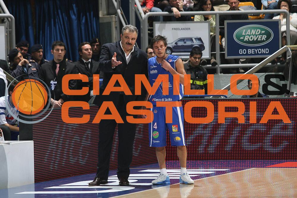 DESCRIZIONE : Bologna Lega A1 2007-08 Upim Fortitudo Bologna Pierrel Capo D'Orlando <br /> GIOCATORE : Romeo Sacchetti Gianmarco Pozzecco<br /> SQUADRA : Pierrel Capo D'Orlando <br /> EVENTO : Campionato Lega A1 2007-2008 <br /> GARA : Upim Fortitudo Bologna Pierrel Capo D'Orlando  <br /> DATA : 24/11/2007 <br /> CATEGORIA : <br /> SPORT : Pallacanestro <br /> AUTORE : Agenzia Ciamillo-Castoria/M.Marchi