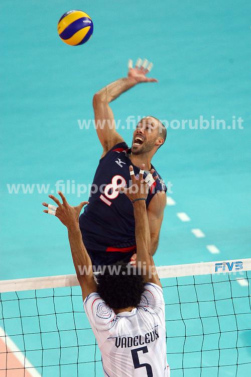 WILLIAM PRIDDY IN ATTACCO.USA - Francia.Volley 2010.Campionati mondiali pallavolo maschile 2010.Roma 04-10-2010.Foto Galbiati - Rubin