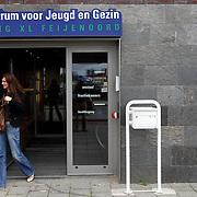 Nederland Rotterdam 11 spetember 2007 20070911 Foto: David Rozing ..Centrum voor Jeugd en Gezin Jong XL Feijenoord Maashaven O.Z...Foto: David Rozing