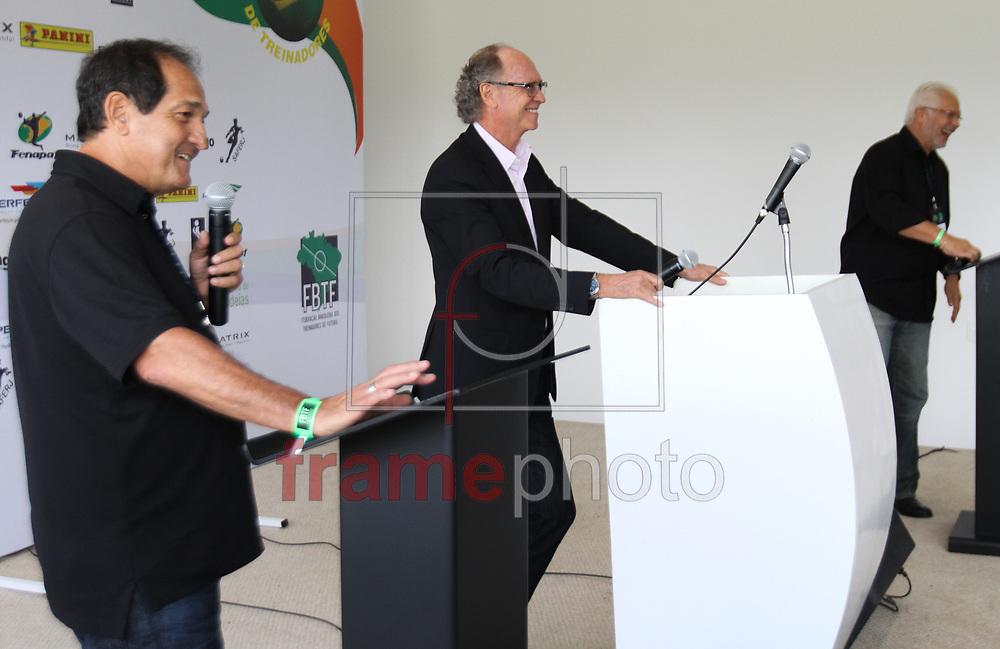 A FBTF (Federação Brasileira dos Treinadores de Futebol), promoveu nesta segunda-feira (01)  no Spa Sport Resort, na cidade de Itu, o 1º Fórum Brasil de Treinadores. O evento foi aberto pelo presidente da Federação, Zé Mario, que agradeceu a todos os presentes e também a todos os colaboradores. Em seguida passou a palavra para o mediador do fórum, Paulo Roberto Falcão que deu início ao primeiro debate na foto Muricy R. Falcão e Leão - FOTO MARCELO D'SANTS/FRAME