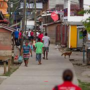 Vistas del pueblo de Yaviza en la provincia de Darien, de Panamá, frontera con Colombia / Images of town of Yaviza, in the province of Darien, Panama, near the border with Colombia.  Foto por: Tito Herrera / www.titoherrera.com