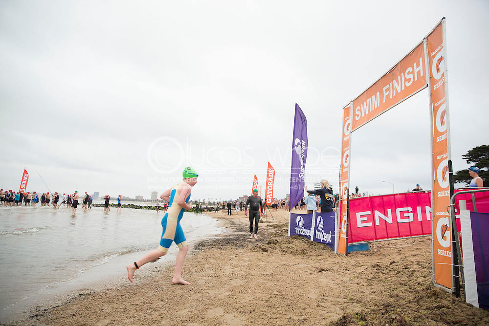 . 2012 Gatorade Triathlon Series Race 1. St Kilda, Victoria, Australia. 25/11/2012. Photo By Lucas Wroe