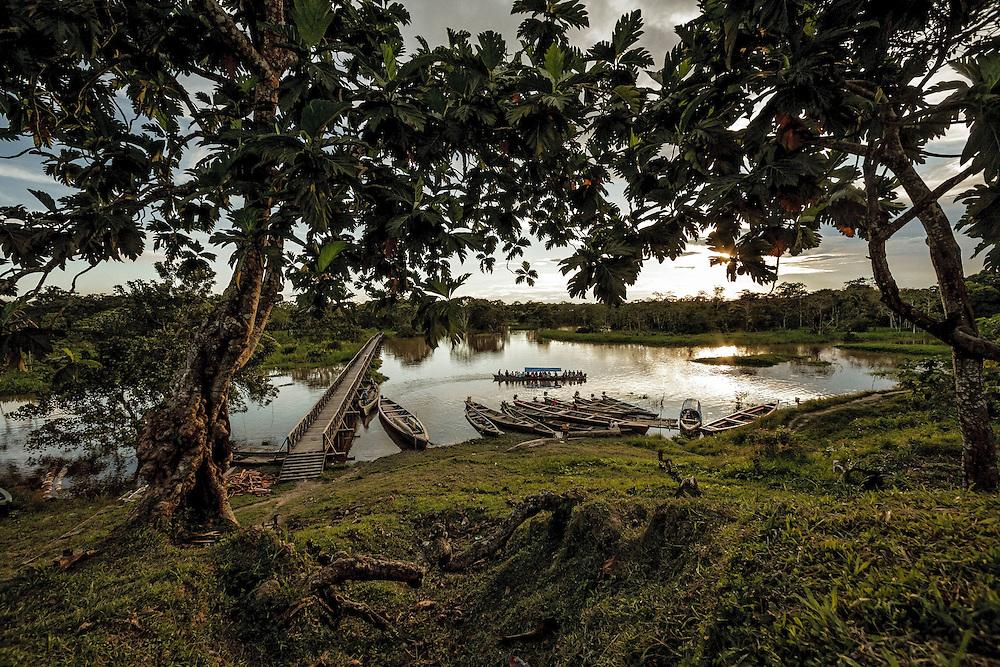 Colombie, Amazonas, rio Amazonas.<br /> <br /> Nazareth, communaute indigene.