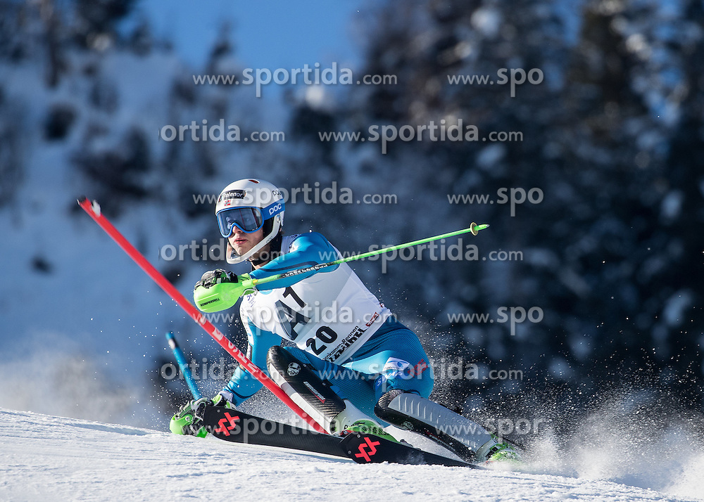 22.01.2017, Hahnenkamm, Kitzbühel, AUT, FIS Weltcup Ski Alpin, Kitzbuehel, Slalom, Herren, 1. Lauf, im Bild Sebastian Foss-Solevaag (NOR) // Sebastian Foss-Solevaag of Norway in action during his 1st run of men's Slalom of FIS ski alpine world cup at the Hahnenkamm in Kitzbühel, Austria on 2017/01/22. EXPA Pictures © 2017, PhotoCredit: EXPA/ Johann Groder