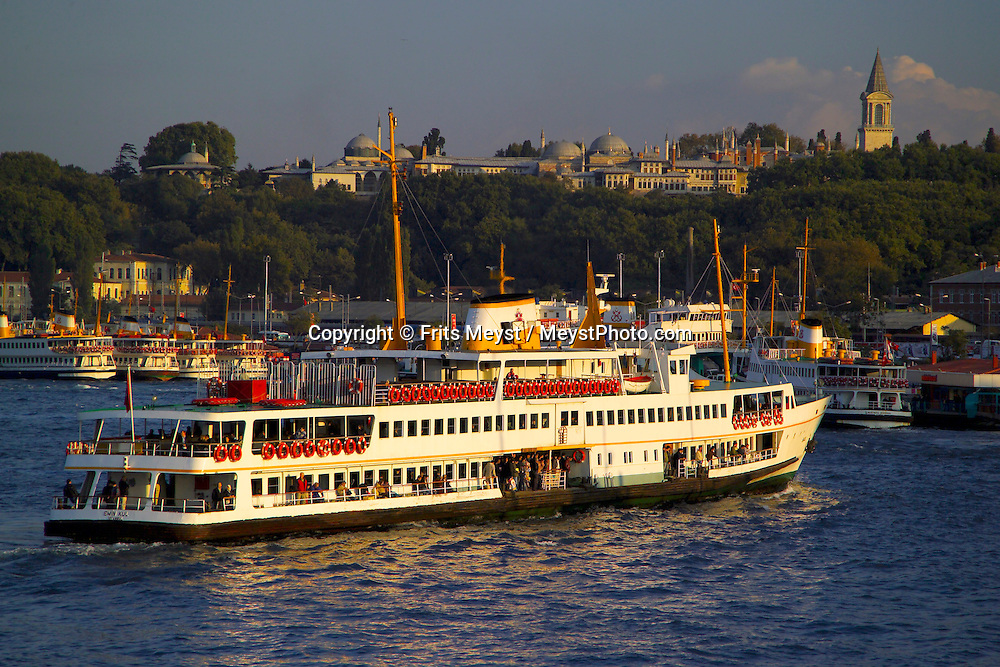Istanbul, Turkey, October 2005. Ferryboats roam the bosphorus. Autumn falls over the dynamic city of Istanbul, former capital of the Ottoman empire. Photo by Frits Meyst/Adventure4ever.com