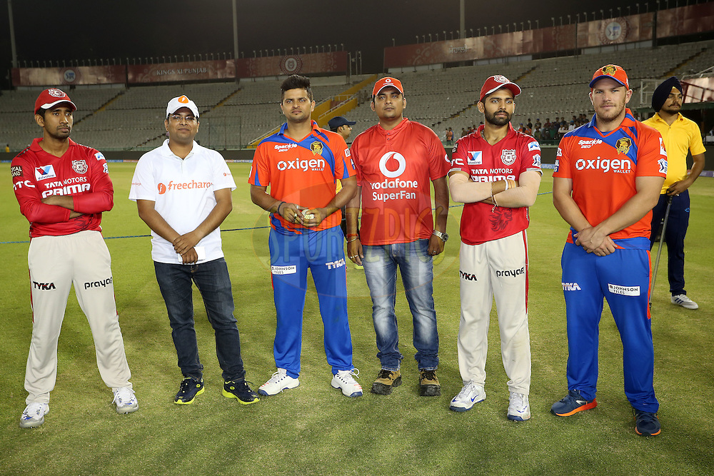 Wriddhiman Saha of Kings XI Punjab, the Freecharge Bolt winner, Gujarat Lions captain Suresh Raina, The Vodafone Superfan, Manan Vohra of Kings XI Punjab and Aaron Finch of Gujarat Lions during match 3 of the Vivo Indian Premier League (IPL) 2016 between the Kings XI Punjab and the Gujarat Lions held at the IS Bindra Stadium, Mohali, India on the 11th April 2016<br /> <br /> Photo by Shaun Roy/ IPL/ SPORTZPICS
