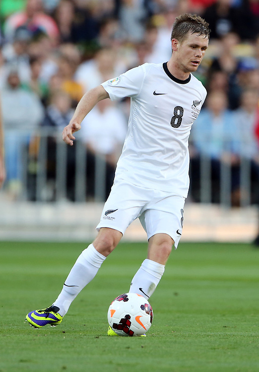New Zealand's Michael McGlinchey against Mexico in the World Cup Football qualifier, Westpac Stadium, Wellington, New Zealand, Wednesday, November 20, 2013. Cedit:SNPA / John Cowpland