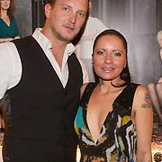 NLD/Hilversum/20131125 - Inloop Musical Awards Gala 2013, Sanne Kraaijkamp en partner Geert Smid