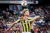 ROTTERDAM - Feyenoord - Vitesse , Voetbal , Seizoen 2015/2016 , Eredivisie , De Kuip , 23-08-2015 , Vitesse speler Lewis Baker (l) in kopduel met Speler van Feyenoord Jan-Arie van der Heijden (r)