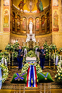 ROTTERDAM - In de Laurentius en Elisabeth Kathedraal wordt de herdenking voor Ruud Lubbers gehouden. De oud-premier overleed op 78-jarige leeftijd. ROBIN UTRECHT