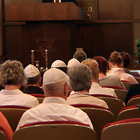 Temple B'Nai Israel held a memorial for the viticms of the California synagogue shooting Saturday