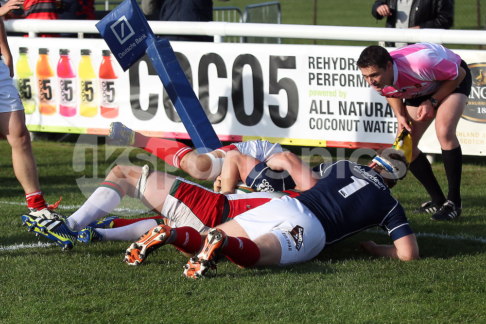 Mark Bright scores one of his two tries during the Green King IPA Championship match between London Scottish &amp; Plymouth Albion at Richmond, Greater London on Sunday 5th October 2014<br /> <br /> Photo: Ken Sparks | UK Sports Pics Ltd<br /> London Scottish v Plymouth Albion, Green King IPA Championship,5th October 2014<br /> <br /> &copy; UK Sports Pics Ltd. FA Accredited. Football League Licence No:  FL14/15/P5700.Football Conference Licence No: PCONF 051/14 Tel +44(0)7968 045353. email ken@uksportspics.co.uk, 7 Leslie Park Road, East Croydon, Surrey CR0 6TN. Credit UK Sports Pics Ltd