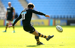 Danny Cipriani of Wasps kicks a penalty - Mandatory by-line: Robbie Stephenson/JMP - 17/09/2017 - RUGBY - Ricoh Arena - Coventry, England - Wasps v Harlequins - Aviva Premiership