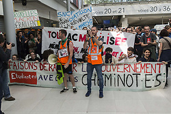 April 24, 2018 - Paris.Jb1_4687.Jpg.Jb1_4688.Jpg, France, France - Manifestation dans la Gare du Nord (Credit Image: © Panoramic via ZUMA Press)
