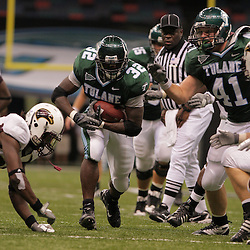 20 September 2008: Tulane running back Andre Anderson (32) during a Conference USA match up between the University of Louisiana Monroe and Tulane at the Louisiana Superdome in New Orleans, LA.