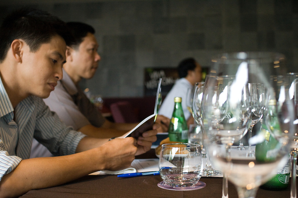 As Vietnam is becoming an ever more integrated part of global society, the local interest in international lifestyle grows as well. Here a Vine Testing at the popular Restaurant Cepage.