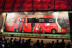 19.08.2014, Allianz Arena, Muenchen, GER, 1. FBL, FC Bayern Muenchen, Praesentation Mannschaftsbus Lions Coach, im Bild l-r: Armin Kriz (Busfahrer), Sandra Koenig (Busfahrerin), Stephan Lehmann (Stadionsprecher) und Michael Lauerbach (Busfahrer) mit dem neuen Mannschaftsbus des FC Bayern Muenchen // during the Presentation of the Lions Coach of German Bundesliga Club FC Bayern Munich at the Allianz Arena in Muenchen, Germany on 2014/08/19. EXPA Pictures © 2014, PhotoCredit: EXPA/ Eibner-Pressefoto/ Kolbert<br /> <br /> *****ATTENTION - OUT of GER*****