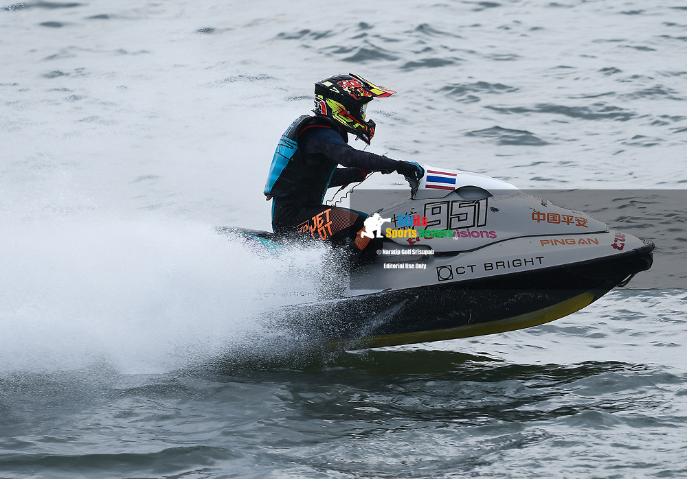 PATTAYA, THAILAND - DECEMBER 09: Tapatarawat Joesonnusont (T951) of Thailand and Ratchaburi Jet Ski Team in action during the Pro Sport GP Moto4 at the Thai Airways International Jet Ski World Cup 2018, Jomtien Beach, Pattaya, Thailand on December 09, 2018. <br /> .<br /> .<br /> .<br /> (Photo by: Naratip Golf Srisupab/SEALs Sports Images)<br /> .<br /> Any image use must include a mandatory credit line adjacent to the content which should read: Naratip Golf Srisupab/SEALs Sports Images