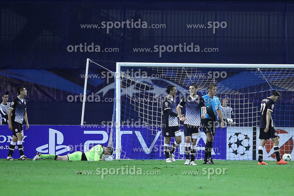 18.09.2012, Maksimir Stadium, Zagreb, CRO, UEFA Champions League, Dinamo Zagreb vs FC Porto, Gruppe A, im Bild Ante Rukavina, Ivan Kelava, Tonel, Arijan Ademi // during the UEFA Champions League group A match between Dinamo Zagreb and FC Porto at the Maksimir Stadium, Zagreb, Croatia on 2012/09/18. EXPA Pictures © 2012, PhotoCredit: EXPA/ Pixsell/ Goran Stanzl..***** ATTENTION - OUT OF CRO, SRB, MAZ, BIH and POL *****