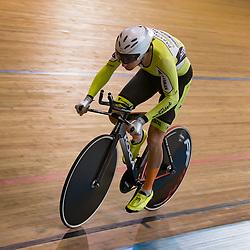 28-12-2015: Wielrennen: NK Baan: Alkmaar   <br />ALKMAAR (NED) baanwielrennen<br />Op de wielerbaan van Alkmaar streden de wielrenners om de nationale baantitels<br />Jenning Huizenga reed naar een tweede plek in de kwalificatie Achtervolging en mag in de finale aantreden tegen Wim Stroetinga