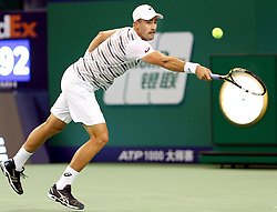 SHANGHAI, Oct. 12, 2016  Steve Johnson of the United States returns a shot during the second round singles match against Britain's Andy Murray at the Shanghai Masters tennis tournament in Shanghai, east China, Oct. 12, 2016. (Credit Image: © Fan Jun/Xinhua via ZUMA Wire)