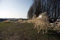Strandbeesten van kunstenaar Theo Jansen bij Ypenburg