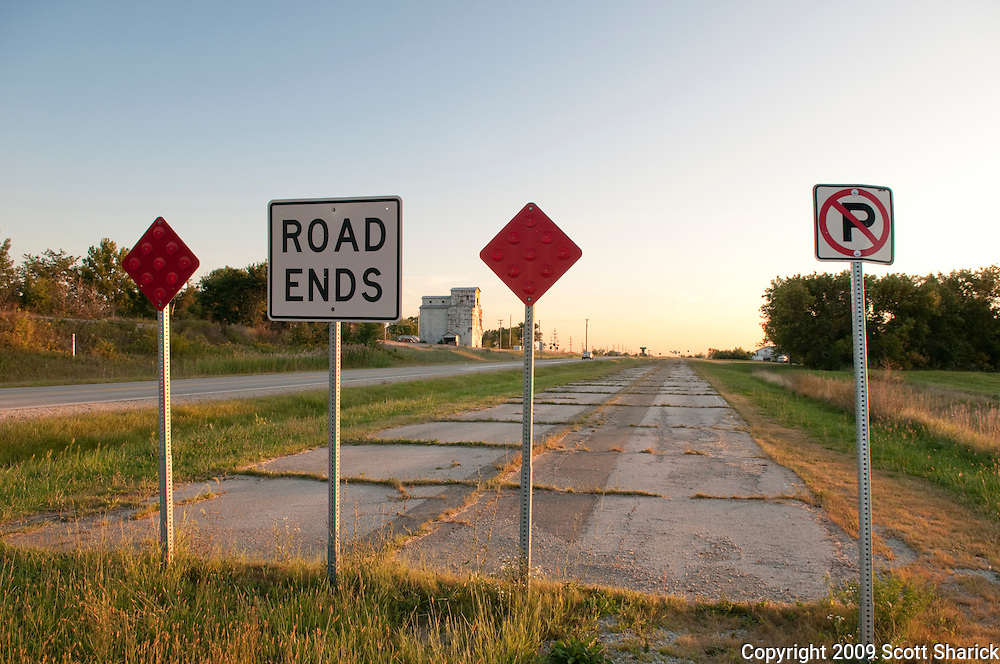 A sign warns that the road ends and is no longer usable on Route 66. Missoula Photographer