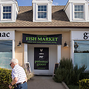 The Potomac Grocer sits on River Rd., the border between  Maryland's 6th and 8th Congressional districts. Maryland's 6th District was redistricted in 2011, combining rural northern Maryland regions with more affluent communities like Potomac and Germantown. <br /> Tuesday, September 26, 2017. CREDIT: John Boal for The Wall Street Journal<br /> GERRYMANDER