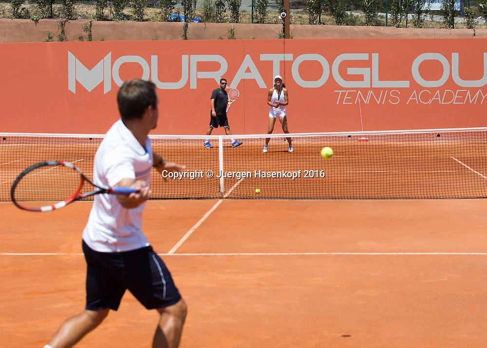 Mouratoglou Tennis Academy M.T.A Sophia Country Club, Biot, FRA.<br /> Head coach Benjamin Ebrahimzadeh (GER) and junior player Natalia Vikhlyantseva (RUS)<br /> <br />  - Mouratoglou Tennis Academy  -  -   Sophia Country Club, - Biot -  - Frankreich  - 26 July 2016. <br /> &copy; Juergen Hasenkopf