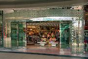 Santa Monica Place; fresh, open-air design, shopping mall; Department Stores, Santa Monica; CA;