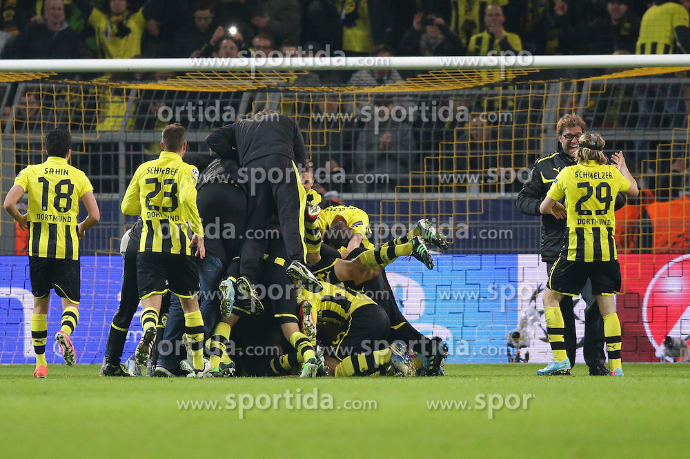 09.04.2013, Signal Iduna Park, Dortmund, GER, UEFA Champions League, Borussia Dortmund vs FC Malaga, Viertelfinale, Rueckspiel, im Bild jubel Borussia Dortmund - der BVB nach dem Einzug in das Halbfinale der Champions League // during the UEFA Champions League best of eight 2nd leg match between Borussia Dortmund and Malaga FC at the Signal Iduna Park, Dortmund, Germany on 2013/04/09. EXPA Pictures © 2013, PhotoCredit: EXPA/ Eibner/ Gerry Schmit..***** ATTENTION - OUT OF GER *****