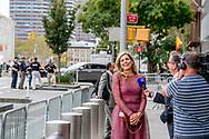 NEW YORK - Koningin Maxima buiten bij  het gebouw van de Verenigde Naties. Maxima is in New York in haar hoedanigheid van speciale pleitbezorger van de secretaris-generaal van de Verenigde Naties voor de jaarlijkse Algemene Vergadering van de Verenigde Naties. <br /> ROBIN UTRECHT