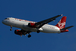 Airbus A320-214 (N623VA) operated by Virgin America on approach to San Francisco International Airport (SFO), San Francisco, California, United States of America