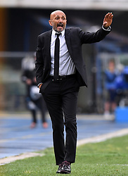 VERONA, May 21, 2017  Roma's head coach Luciano Spalletti gestures during a Serie A soccer match between Roma and Chievo Verona in Verona, Italy, May 20, 2017. Roma won 5-3. (Credit Image: © Alberto Lingria/Xinhua via ZUMA Wire)