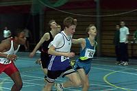 Friidrett, Ungdomsmesterskapet innendørs Drammenshallen 2000 (UM). Mats Flogstad, Eidanger, vinner 100 meter foran Håkon Johannessen, Kristiansand (t.v). Daniel Johansson (52) fra Sverige (SK Bore friidrott) ble nummer tre.
