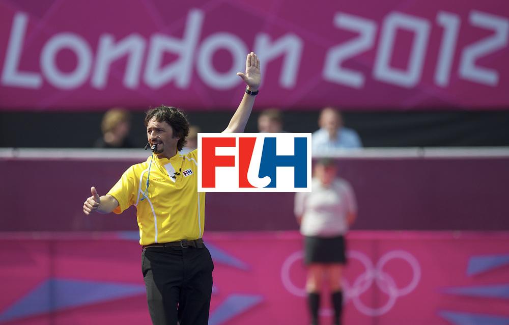 LONDON - Olympische Spelen 2012.men .match.Pakistan v Korea.foto: Umpire M. Servetto..FFU PRESS AGENCY COPYRIGHT FRANK UIJLENBROEK.