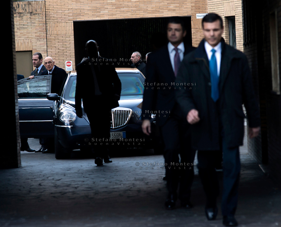 Roma 7  Febbraio 2011.Il Presidente della Repubblica Giorgio Napolitano,  all'uscita  dell'istituto di medicina legale  dove sono i 4 bambini rom orrendamente periti nel rogo della loro baracca