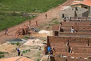 Codo _ MA, Brasil ..Construcao de casas na comunidade Nossa Senhora de Fatima...Houses construction  in the Nossa Senhora de Fatima's Community...Foto: LEO DRUMOND /  NITRO