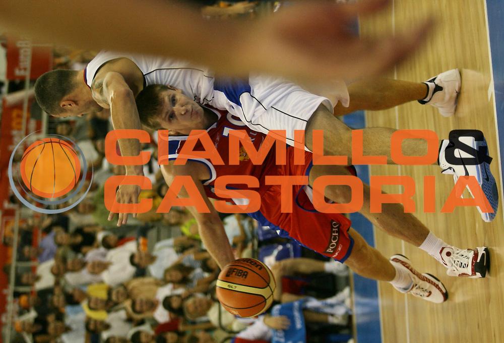 DESCRIZIONE : Granada Spagna Spain Eurobasket Men 2007 Serbia Russia <br /> GIOCATORE : Victor Khryapa <br /> SQUADRA : Russia <br /> EVENTO : Eurobasket Men 2007 Campionati Europei Uomini 2007 <br /> GARA : Serbia Russia <br /> DATA : 03/09/2007 <br /> CATEGORIA : Penetrazione <br /> SPORT : Pallacanestro <br /> AUTORE : Ciamillo&amp;Castoria/A.Vlachos <br /> Galleria : Eurobasket Men 2007 <br /> Fotonotizia : Granada Spagna Spain Eurobasket Men 2007 Serbia Russia <br /> Predefinita :