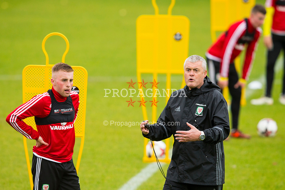 BANGOR, WALES - Tuesday, November 7, 2017: Wales' coach Frankie Bunn during a training session at VSM Bangor City Stadium ahead of the UEFA Under-21 European Championship Qualifying Group 8 match against Bosnia and Herzegovina. (Pic by Paul Greenwood/Propaganda)