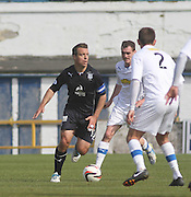 Gavin Rae runs at Greenock Morton's Scott Taggart and David Robertson - Greenock Morton v Dundee, SPFL Championship at Cappielow<br /> <br />  - &copy; David Young - www.davidyoungphoto.co.uk - email: davidyoungphoto@gmail.com