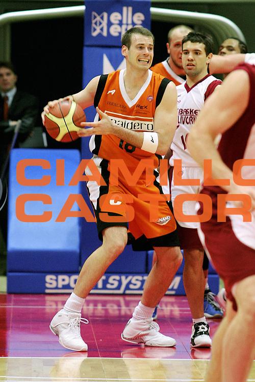 DESCRIZIONE : Livorno Lega A1 2005-06 Basket Livorno Snaidero Basketball Udine<br /> GIOCATORE : Sekunda<br /> SQUADRA : Snaidero Basketball Udine<br /> EVENTO : Campionato Lega A1 2005-2006<br /> GARA : Basket Livorno Snaidero Basketball Udine<br /> DATA : 09/04/2006<br /> CATEGORIA : Palleggio<br /> SPORT : Pallacanestro<br /> AUTORE : Agenzia Ciamillo-Castoria/Stefano D'Errico